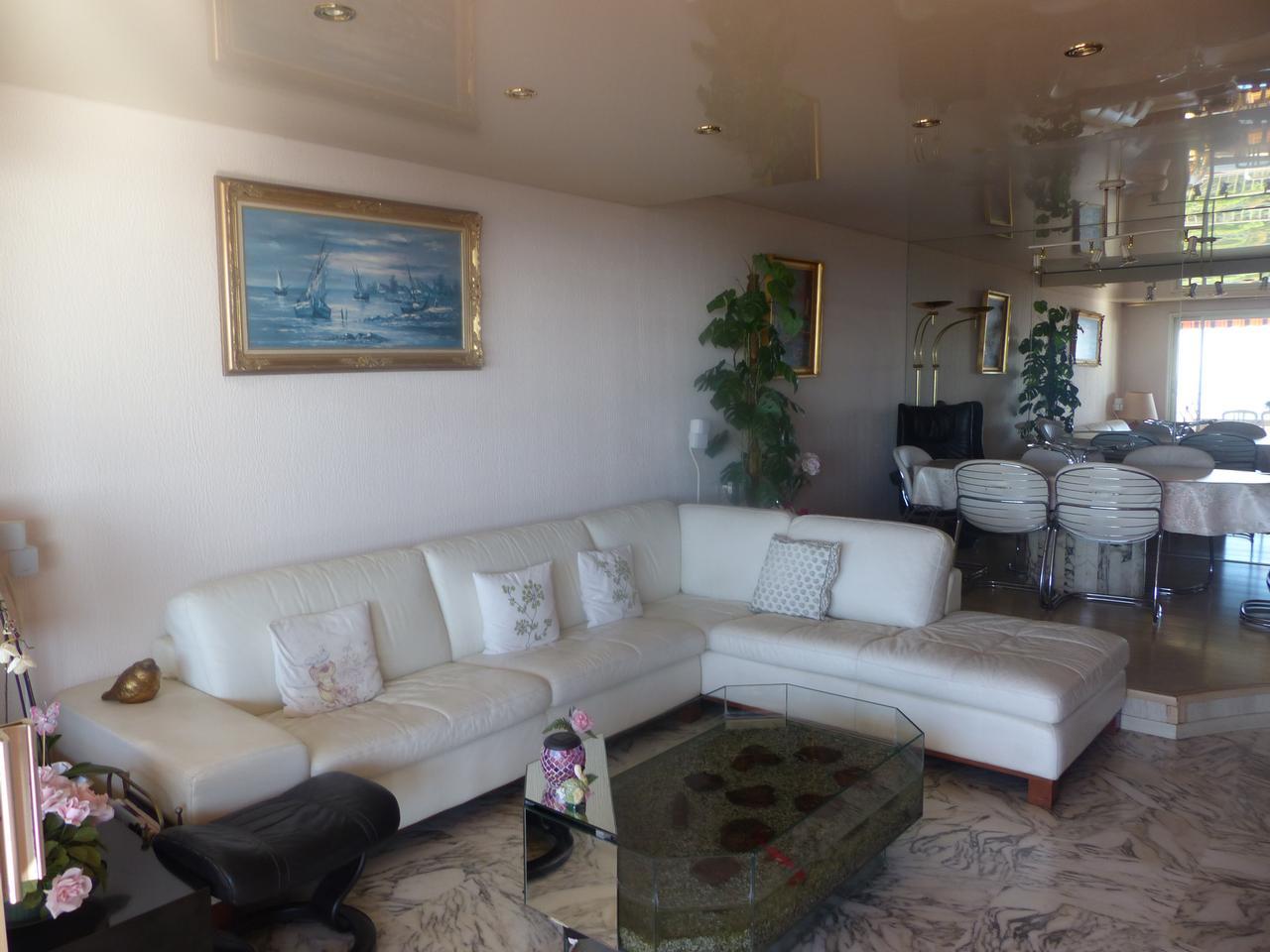 immobilier nice vue mer appartement nice viager en dernier etage nice ouest et vue mer a vendre. Black Bedroom Furniture Sets. Home Design Ideas