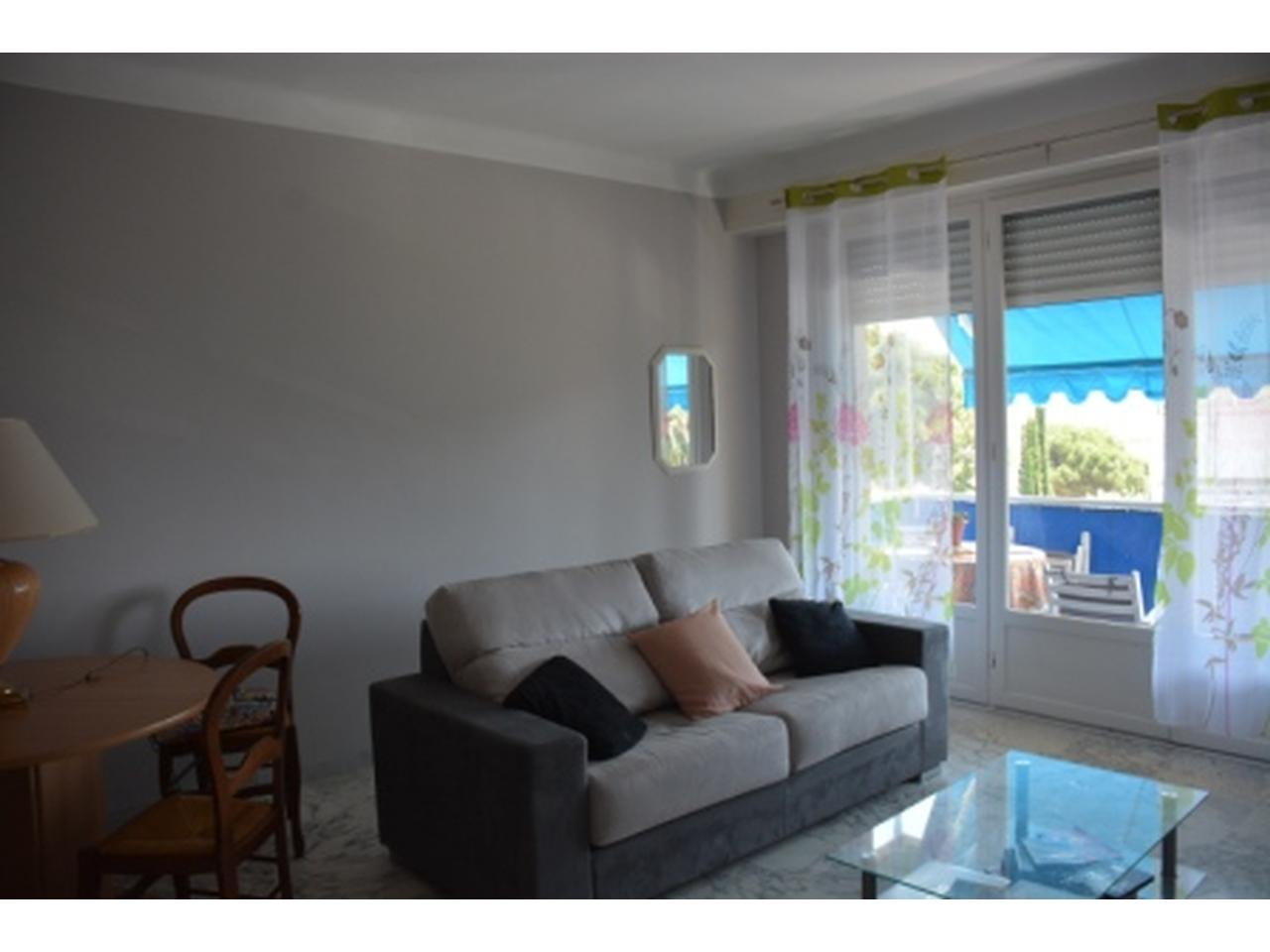 immobilier nice vue mer appartement nice studio meuble avec apercu mer a vendre nice ouest lanterne. Black Bedroom Furniture Sets. Home Design Ideas