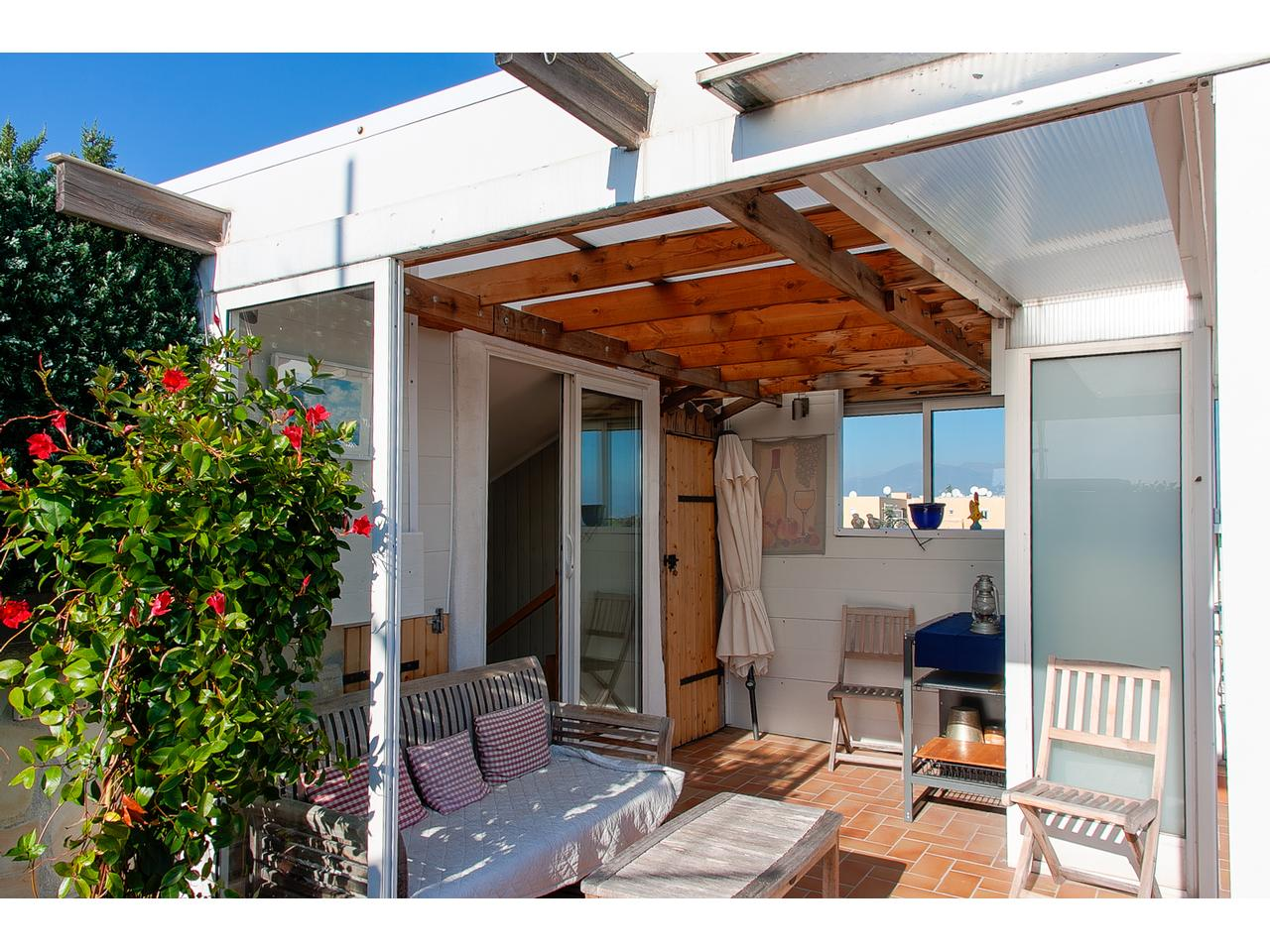 Immobilier nice vue mer appartement antibes 3 pieces villa for Toit terrasse immobilier