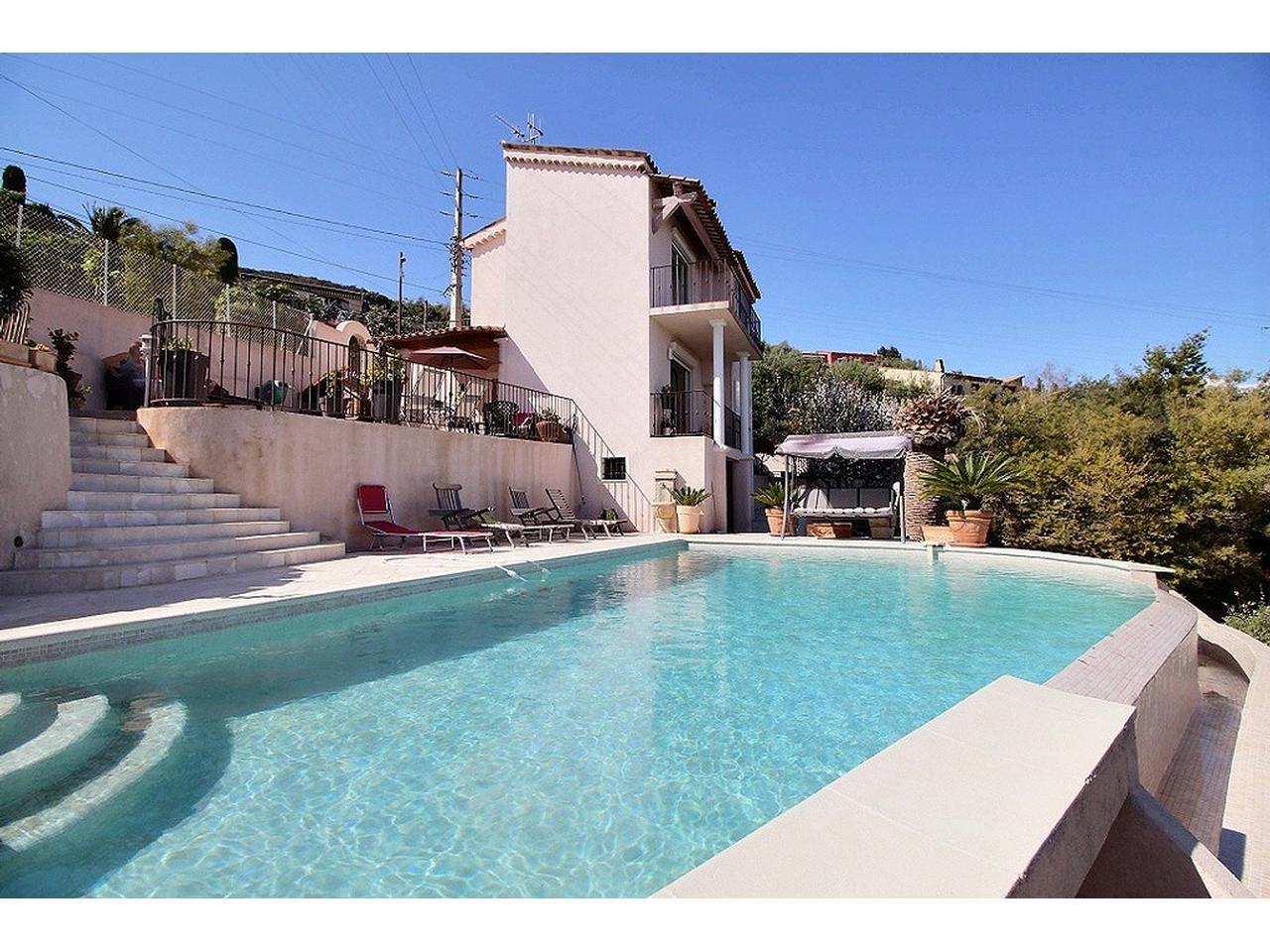 Immobilier nice vue mer maison mandelieu la napoule villa for Piscine mandelieu