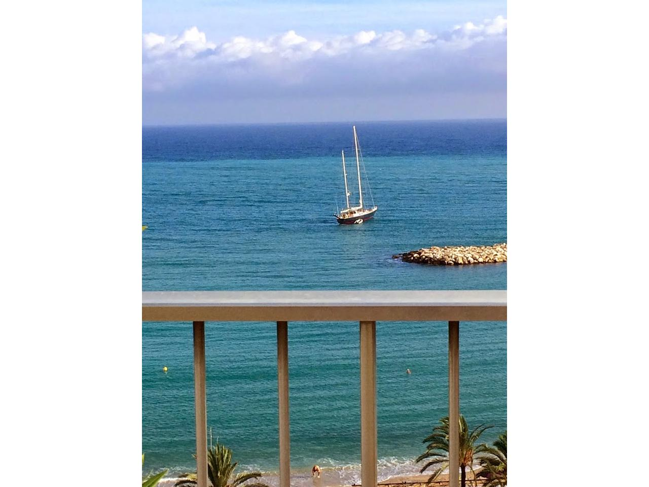 Immobilier nice vue mer appartement menton villa sur toit menton bord de mer - Mobilier bord de mer ...