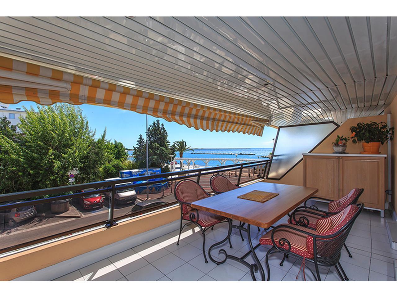 Immobilier nice vue mer appartement st laurent du var 3 - Appartement a vendre port vendres vue mer ...