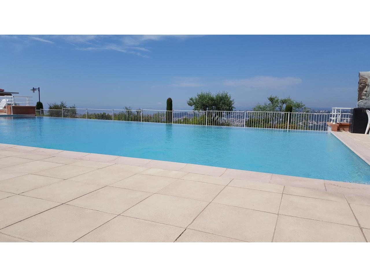Immobilier nice vue mer appartement nice 3 pieces a vendre for Piscine nice