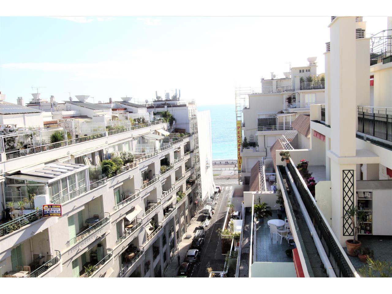 Immobilier nice vue mer appartement nice villa sur le toit for Hotel nice piscine sur le toit