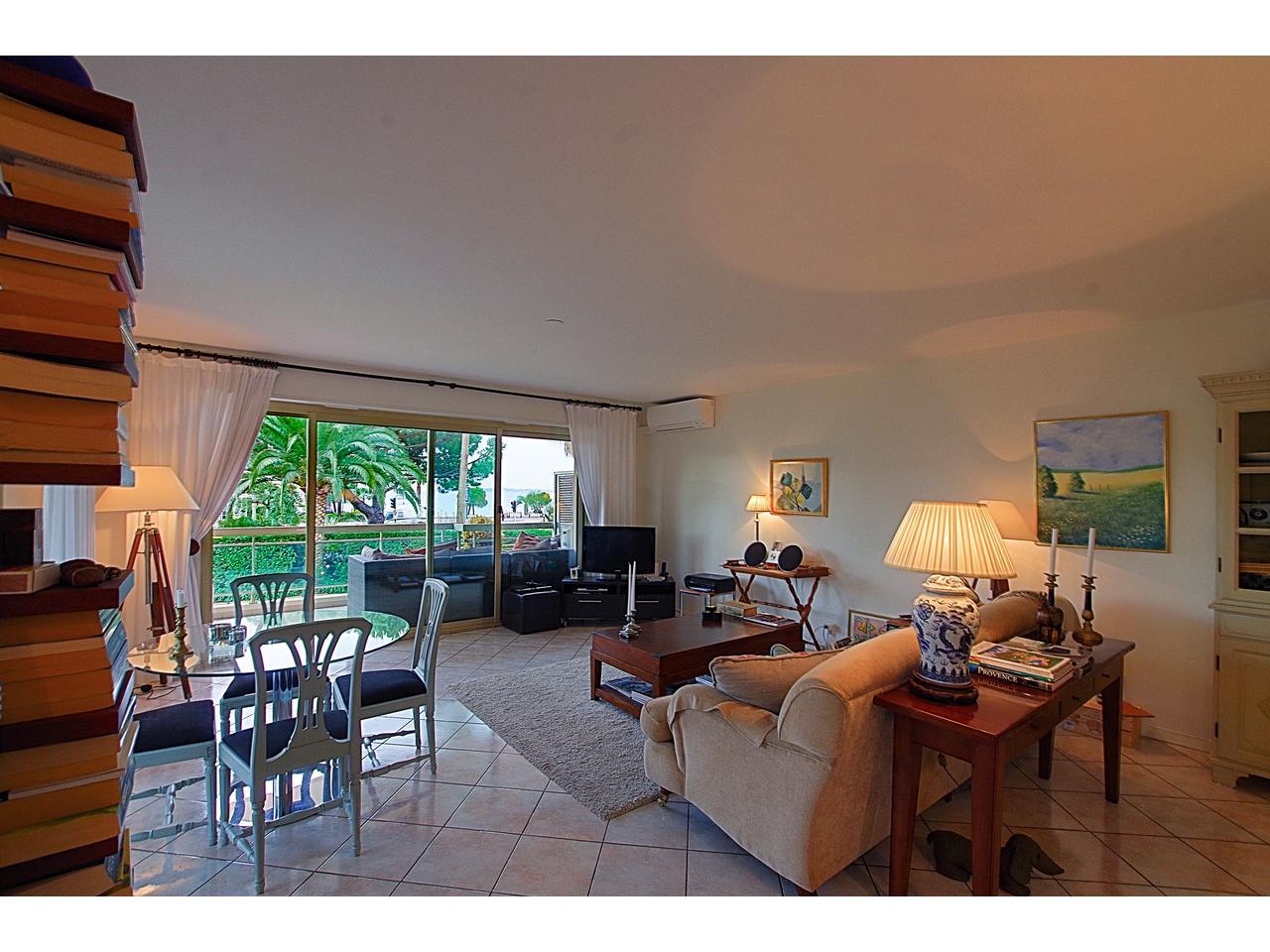 immobilier nice vue mer appartement st laurent du var saint laurent 3 pieces dans residence luxe. Black Bedroom Furniture Sets. Home Design Ideas