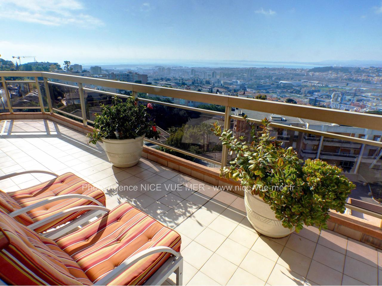 Appartement terrasse nice vente appartement nice for Appartement design nice