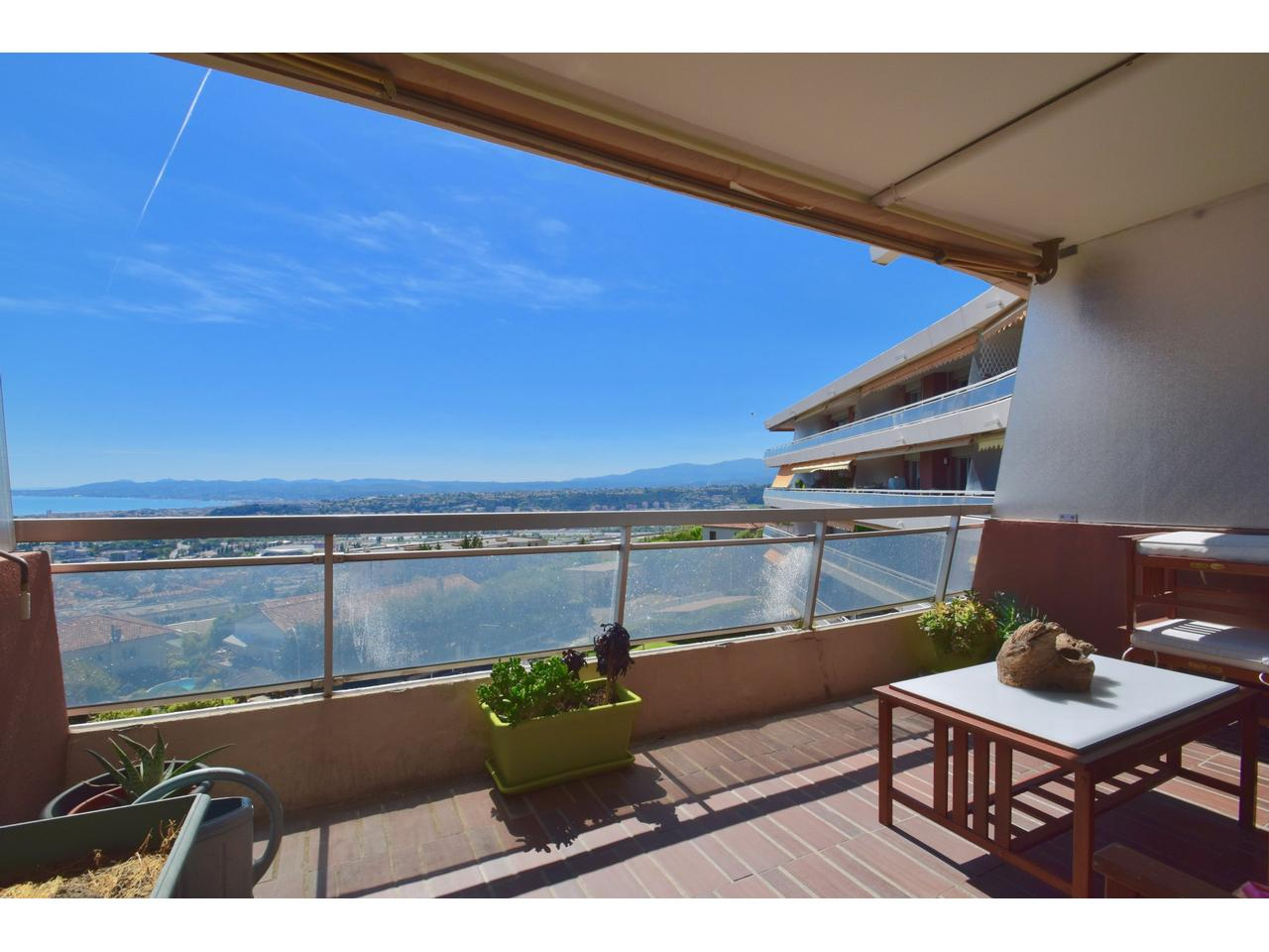 Immobilier nice vue mer appartement nice belles terres for Immobilier avec terrasse