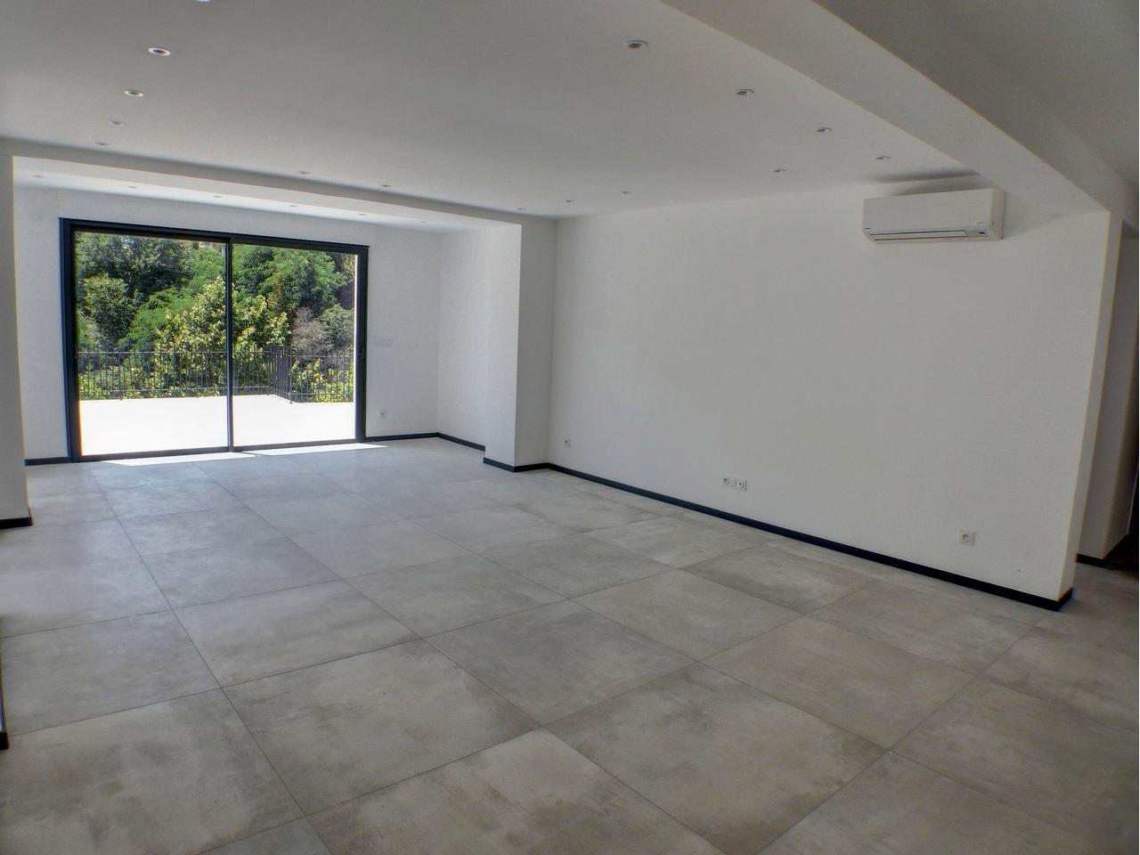 Immobilier nice vue mer appartement nice 4 pieces a vendre for Appartement rez de jardin nice