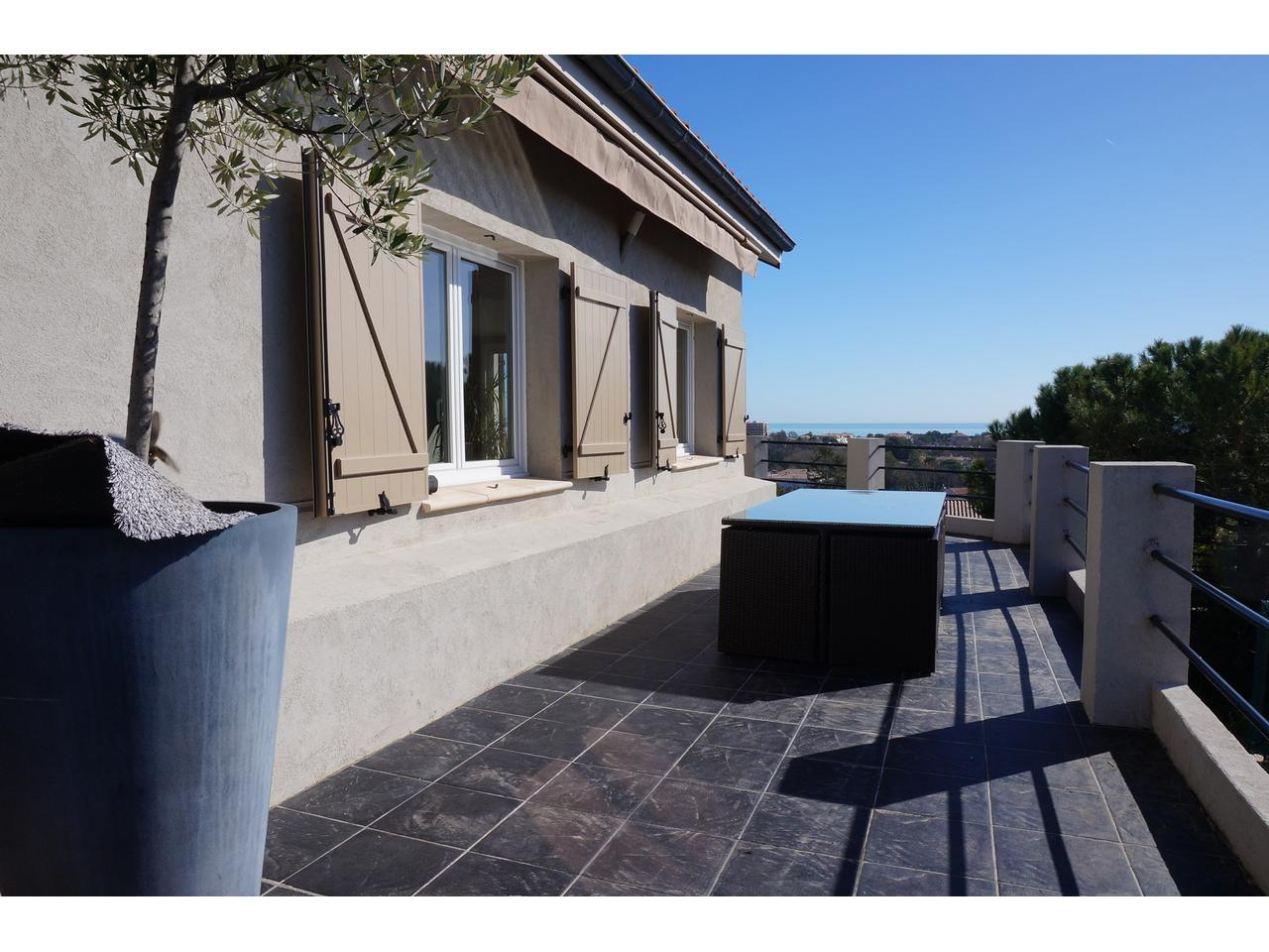 Immobilier nice vue mer appartement antibes antibes for Immobilier atypique nice
