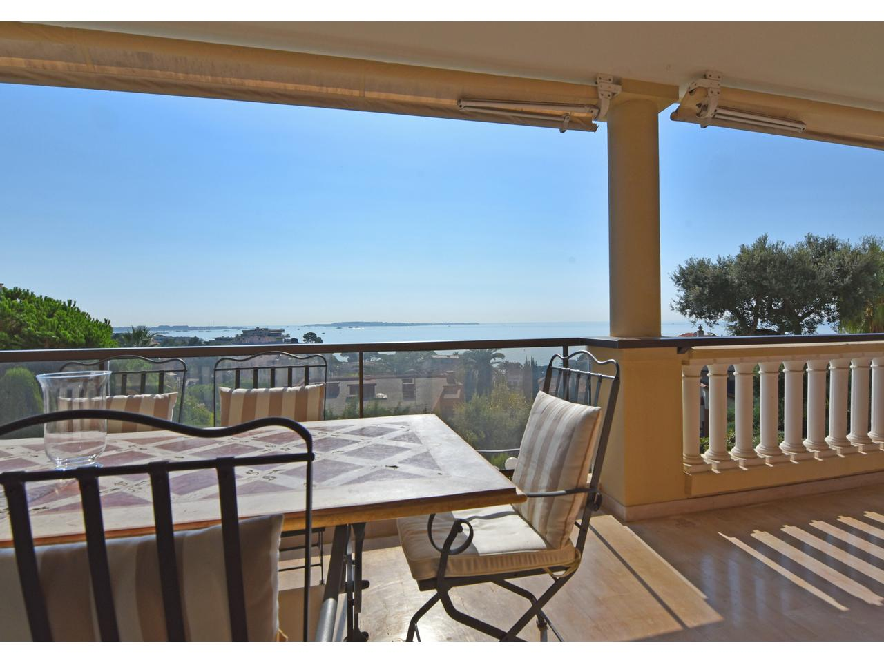 Cannes Appartement 4 pieces vue mer luxe a vendre
