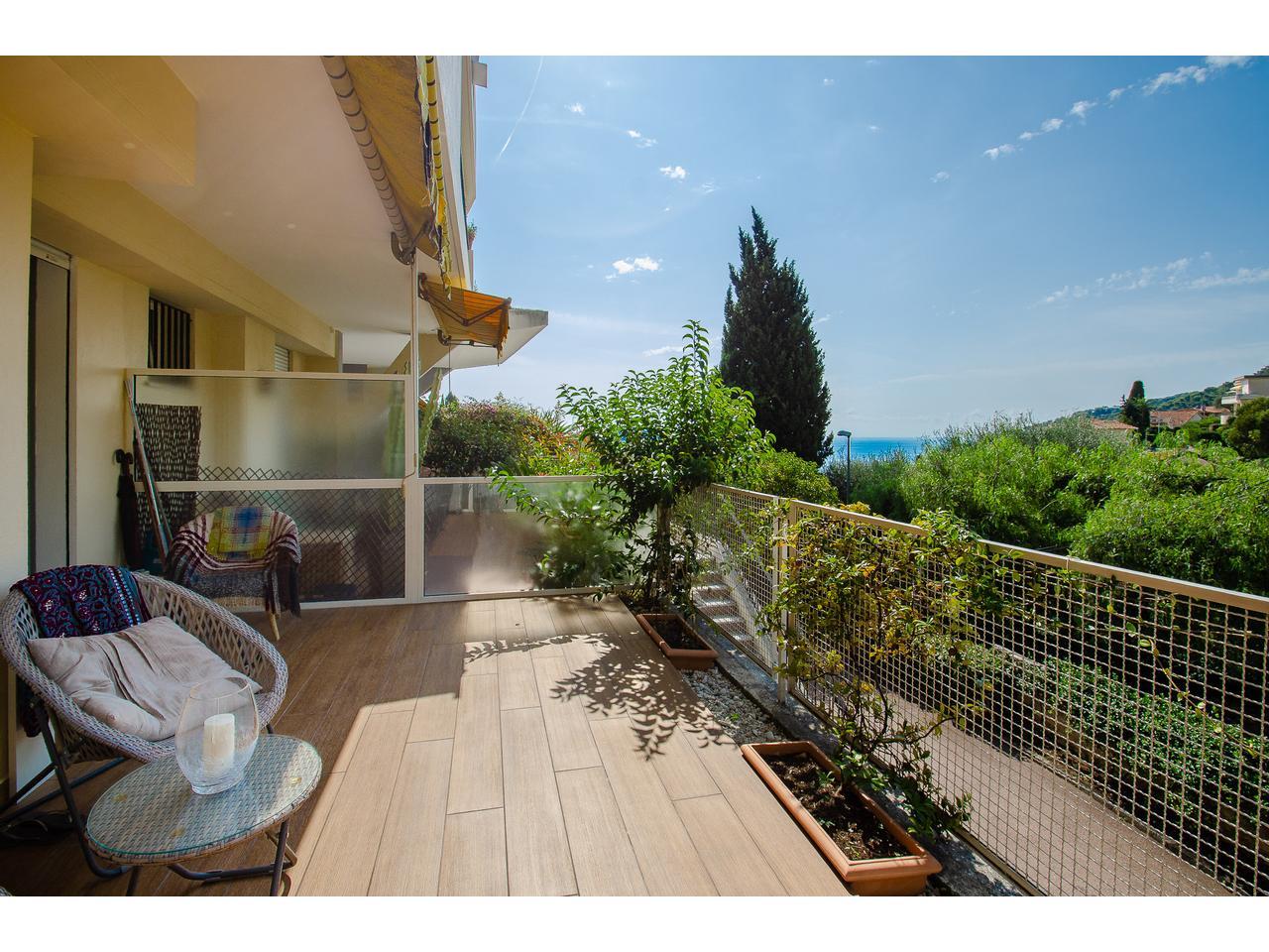 Grand Immobilier Nice Vue Mer Appartement Villefranche Sur Mer Studio Avec Jolie Vue  Mer Et Terrasse A Vendre