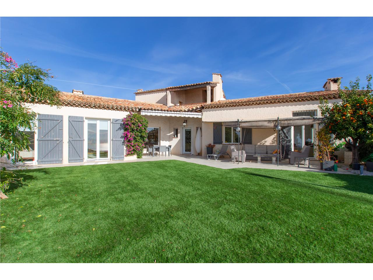 Vente House Listing Of Nice Properties For Sale With Sea View On The ...