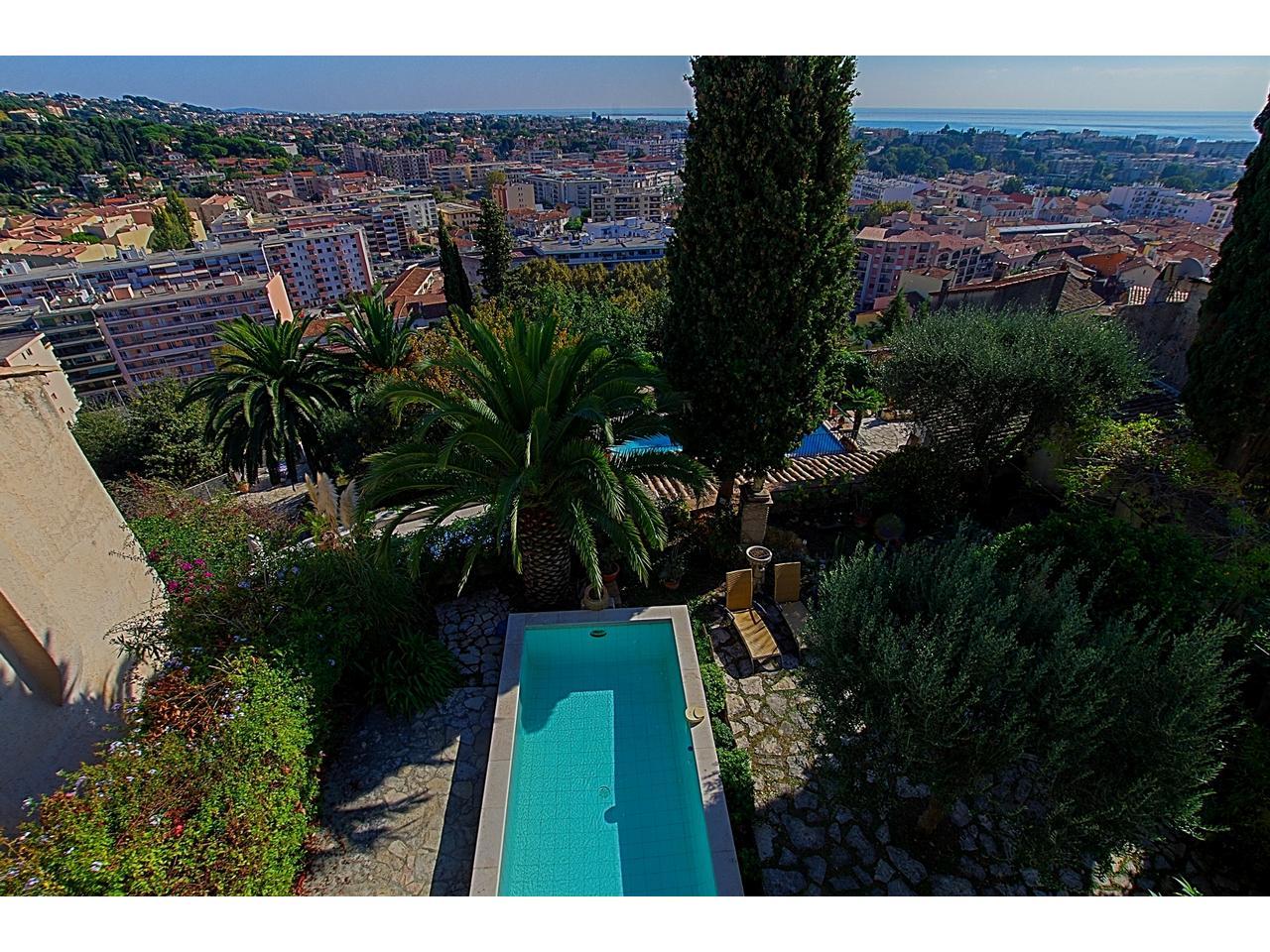 Immobilier nice vue mer maison cagnes sur mer grande villa for Piscine cagnes sur mer